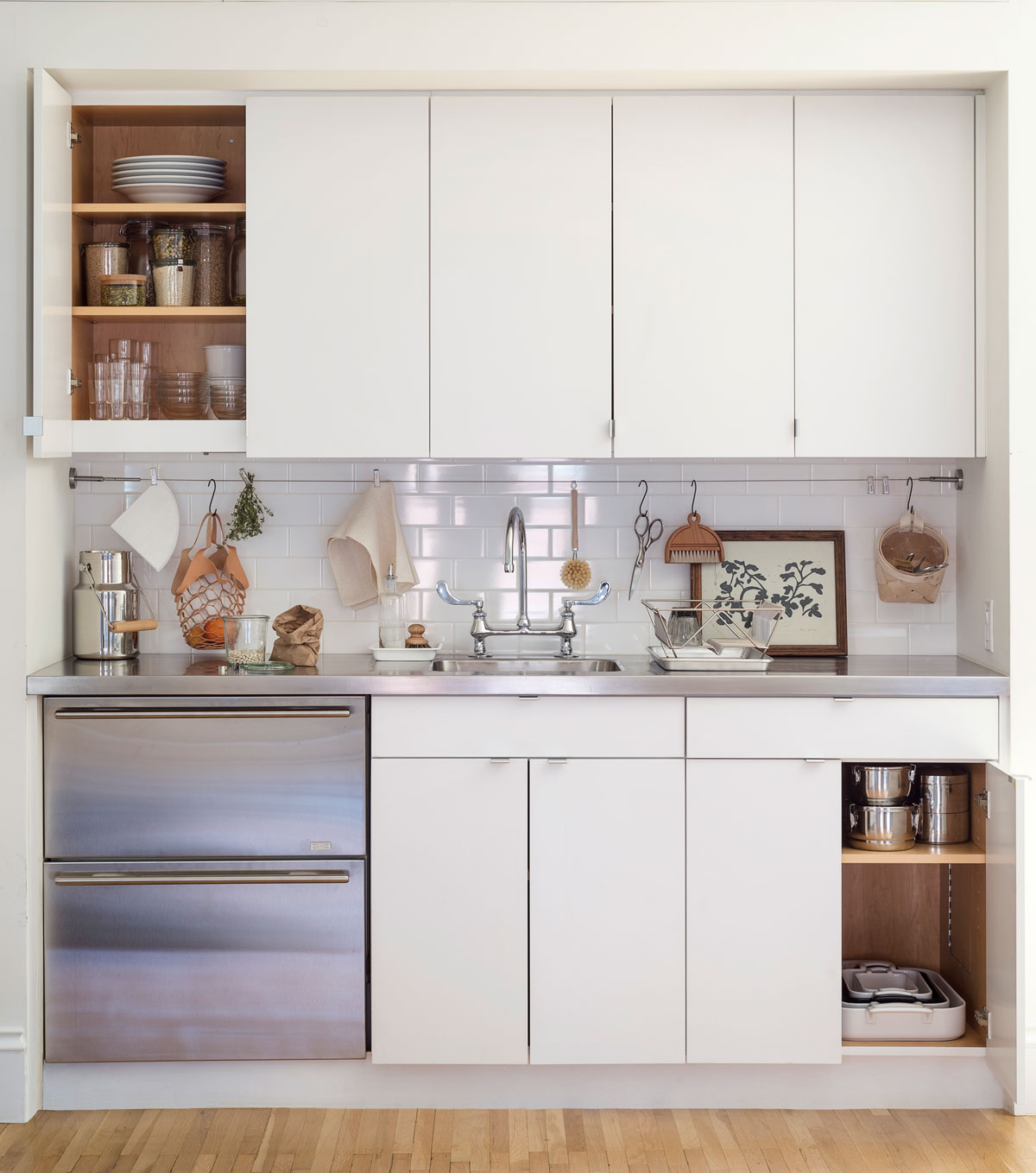 Remodelista: The Organized Home: Simple, Stylish Storage Ideas for ...